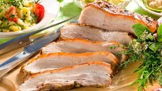 Glasierter Schweinebauch mit Kartoffel-Ei-Gurkensalat