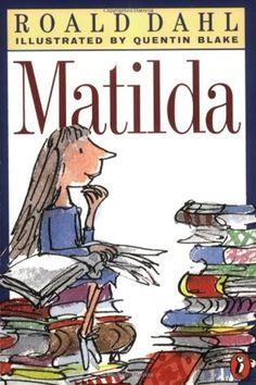 ★ Matilda by Roald Dahl ~ My absolute favorite of Dahl's books. Matilda appeals to kids' sense of wonder and their sense of justice too. Matilda Roald Dahl, Book Club Books, Book Lists, Books To Read, Big Books, Ernst Hemingway, Girls Bookshelf, Bookshelves, Roald Dahl Books