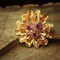 Purple Dahlias Brooch to compliment every occasion  #craft365.com