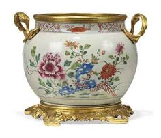 ormolu mounts | FRENCH ORMOLU-MOUNTED CHINESE FAMILLE ROSE PORCELAIN BOWL