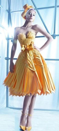 The sculptural quality of this dress is fantastic. Just lovely!
