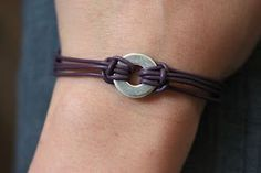 Kara's Creative Place: Washer and Leather Chord Bracelet - In black would be perfect for a teen boy! Boys Bracelets, Leather Cord Bracelets, Leather Jewelry, Jewelry Bracelets, Jewlery, Making Bracelets, Black Leather Bracelet, Simple Bracelets, Men's Leather