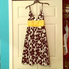 ☀️Cotton fully lined Sundress Super cute and light sundress. Adjustable spaghetti straps. I wore it only a few times and it is in excellent condition. Modest length on my 5'10 frame. Has a white lining under the black and white skirt that is pictured. Max Studio Dresses Midi