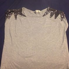 ⚪️Sequined gray top⚫️ One of my favorites but it just fits too short now. Price is negotiable. Forever 21 Tops Blouses