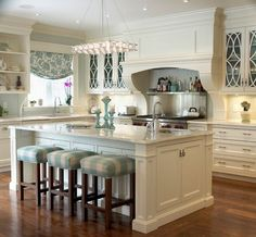 A Look at Traditional Contemporary Kitchens