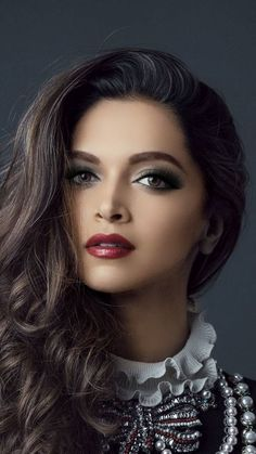 Tolle Augen und wunderschön – beautiful hair styles for wedding Beautiful Indian Actress, Beautiful Actresses, Girl Face, Woman Face, Beautiful Eyes, Most Beautiful Women, Gorgeous Hair, Brunette Beauty, Hair Beauty