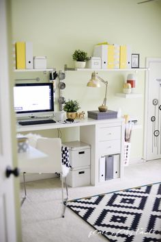 If you're looking to organize your home office, or just make it look fabulous, this is the place to start. 25 amazingly inspirational home office spaces! Home Office Organization, Organizing Your Home, Organization Ideas, Organizing Tips, Interior Exterior, Interior Design, Ikea Craft Room, Craft Rooms, Home Focus