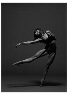 #yoga #art #photography #beauty #yogaartphotographybeauty Dance Photography Poses, Dance Poses, People Photography, Amazing Photography, Fitness Photography, Modern Dance Photography, Photography Ideas, Body Photography, People Dancing