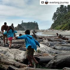 Repost @everlong.journey  The kids have been enjoying learning about and seeing sea stacks. They really are amazing! We learned that a lot of sea stacks are home to sea birds who nest and raise their young there. Some sea birds don't come in any closer to the mainland than these sea stacks. #seastack #rubybeach #olympicnationalpark #washington #roadschooling #roadschool #ditchingsuburbia