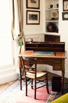 writing corner - Home Decoration Small Writing Desk, Antique Writing Desk, Writing Corner, Antique Desk, Letter Writing, Wood Writing Desk, Antique Wood, Desk In Living Room, Bedroom Desk