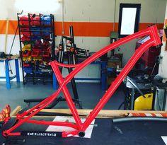 "Brève #steelframe #handmade #framebuilding #madeinfrance #mtb #simpletrack #caminadebikes  Bespoke 29"" MTB Simpletrack #steelframe #handmade #framebuilding #madeinfrance #mtb #simpletrack #caminadebikes http://ift.tt/2lhfHWQ  Brève #steelframe #handmade #framebuilding #madeinfrance #mtb #simpletrack #caminadebikes  contact@caminade.eu (Caminade) : February 07 2017 at 08:54PM http://ift.tt/2lhdXww"