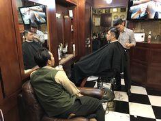 미팅중... 란조마스터.일현바버.대복바버.과장님 . . . . . . . . . . #밤므 #홍대바버샵 #홍대 #합정 #상수  #이발소 #란조 #남자머리 #korea #barbershop #conceptbarbershop #bombmme #ranjo #bombmmebarbershop #daily #hairstyle #instagram #instagood #✂️  @wahlpro @londonschoolofbarbering @reuzel @the_bloody_butcher @schorembarbier @savillsbarbers @frankiedesigns @barbershopconnect @worldbarbershops @andisclippers @officiallayrite @osterpro @showcasebarbers @barberlessons_ @blindbarber @suavecitopomade