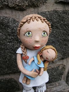 Laura s panenkou (na objednávku) Air Dry Clay, Ooak Dolls, Ceramic Pottery, Puppets, Teddy Bear, Ceramics, Toys, Animals, Sculpture