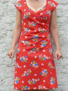 Burda I wonder if this is woven or knit Sewing Clothes, Diy Clothes, Dress Outfits, Casual Dresses, Diy Fashion, Fashion Outfits, Make Your Own Clothes, Dress Making Patterns, Couture Sewing