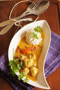 curry thermomix Thai Red Curry, Chicken, Ethnic Recipes, Food, Kitchen, Dish, Thermomix, Food And Drinks, Cooking
