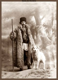 Vintage Pictures, Old Pictures, Old Photos, Romania People, Romanian Girls, Transylvania Romania, World Of Darkness, Vintage Fashion Photography, The Beautiful Country