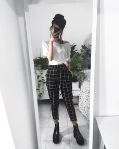 23 Plaid Pants Outfit - 23 Plaid Pants Outfit Source by shellyredmonfashioideas - Lazy Outfits, Mode Outfits, Retro Outfits, Cute Casual Outfits, Vintage Outfits, Summer Outfits, Girl Outfits, Fashion Outfits, Hijab Fashion