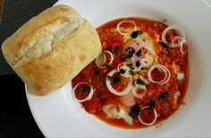 Shakshuka! Ciabatta, Bruschetta, Thai Red Curry, Mexican, Ethnic Recipes, Food, Poached Egg, Meal, Food Food