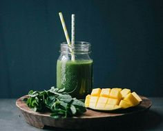 I love healthy refreshing smoothies, how about you? Mango mint smoothie by @lumadeline . See more delicious vegan recipes and more >>> @cleaneating101 . Follow me to see more photos.❤ Comment below. . What you'll need: 1 Mango, peeled and cubed 1 cup of coconut water 1 cup of baby spinach leaves 1 small head romaine salad 1 small bunch of fresh peppermint 5 sprigs of fresh parsley 3-4 ice cubes . How it's made: 1.Blend all ingredients in high-speed blender.. If you prefer your smoothies…
