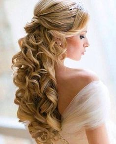 Cute hair style for prom or a wedding!