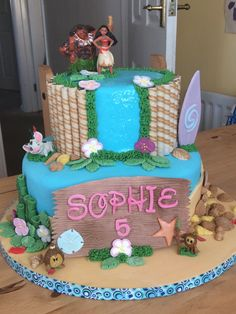 Moana Birthday Cake, tutoring by Amy's Icing on the Cake