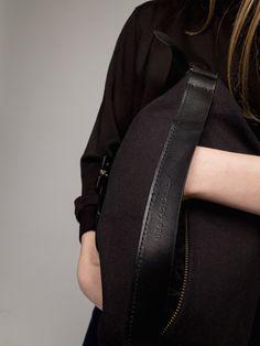 Thisispaper Transfer Bag Black