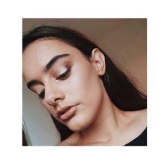 soft glow on the lid ✨🙌🏻 Female Pilot, Fitspo, Traveling, Glow, Portrait, Makeup, Fitness, Nature, Instagram