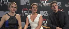 VIDEO: An Interview with 'Faking It' Stars Rita Volk, Katie Stevens and Gregg Sulkin | The Daily Quirk | (Image Credit: MTV)