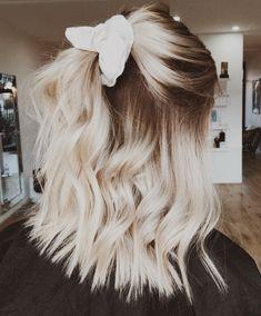 Pin by ✰adriana✰ on ~hair~ Cute Hairstyles For Medium Hair, Teen Hairstyles, Girl Haircuts, Medium Hair Styles, Curly Hair Styles, Blonde Haircuts, Casual Hairstyles, Love Hair, Gorgeous Hair