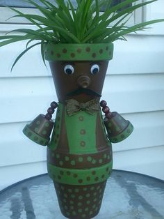 Terra cotra Man pot by Sandy Clay Pot Projects, Clay Pot Crafts, Projects To Try, Flower Pot People, Clay Pot People, Flower Pot Art, Flower Pot Crafts, Door Crafts, Terracotta Flower Pots