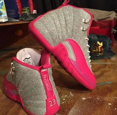 19 Wonderful Tennis Shoes Nike For Men Cute Jordans, Jordans Girls, Womens Jordans, Outfits With Jordans, Jordan Shoes Girls, Girls Shoes, Shoes Women, Michael Jordan Shoes, Cute Sneakers