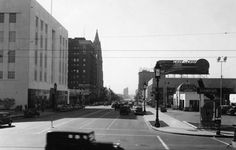 https://flic.kr/p/LomAaf | Looking west on Wilshire Boulevard from Vermont…
