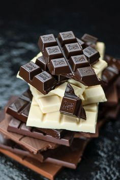 Find images and videos about food, sweet and chocolate on We Heart It - the app to get lost in what you love. Chocolate Bonbon, Chocolate World, Chocolate Dreams, Death By Chocolate, I Love Chocolate, Chocolate Heaven, Chocolate Shop, Chocolate Factory, Chocolate Flavors