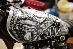 (Cool Kid Customs Yahama by Wall Dizzy) motorcycles, rider, ride, bike… Moto Design, Tank Design, Bike Design, Custom Paint Motorcycle, Motorcycle Tank, Motorcycle Helmets, Custom Tanks, Custom Bikes, Cool Motorcycles
