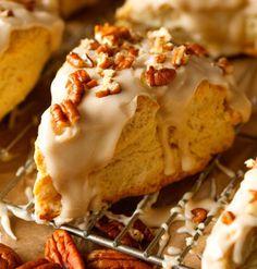 Maple Nut Scones via Deliciously Yum! Maple Scones Recipe, Breakfast Recipes, Dessert Recipes, Scone Recipes, Breakfast Scones, Breakfast Snacks, Pastry Recipes, Breakfast Ideas, Bread Recipes