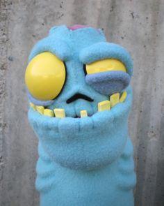 The Golden Glue Gun: Zombie Puppet Progress Sock Puppets, Hand Puppets, Finger Puppets, Stop Motion, Types Of Puppets, Puppet Patterns, Doll Patterns, Puppet Show, Puppet Making
