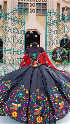 Mexican Theme Dresses, Quince Dresses Mexican, Mexican Quinceanera Dresses, Quinceanera Themes, Mexican Traditional Clothing, Vestido Charro, Xv Dresses, Fiesta Outfit, Mexican Fashion