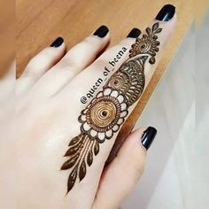 Easy and Unique Brown Mehndi Designs of Hands & Feet for 2018 Short Mehndi Design, Henna Tattoo Designs Simple, Finger Henna Designs, Full Hand Mehndi Designs, Henna Art Designs, Mehndi Designs 2018, Mehndi Designs For Beginners, Modern Mehndi Designs, Mehndi Designs For Girls