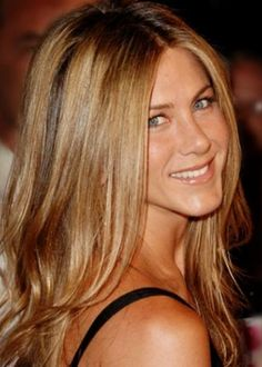 Jennifer Aniston honeyblonde summer hair colour