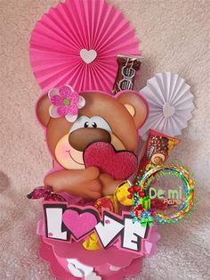 Diy Valentine's Gifts For Friends, Friend Valentine Gifts, Valentine Box, Valentine Crafts, Foam Crafts, Diy And Crafts, Paper Crafts, Love Scrapbook, Baby Shower Balloons