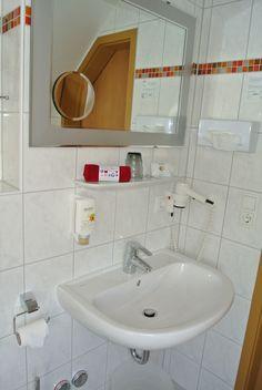 Badezimmer Das Hotel, Restaurant, Sink, Home Decor, Wine Bars, Rustic, Full Bath, Sink Tops, Vessel Sink