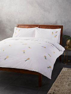 Buy John Lewis & Partners Embroidered Pineapple Duvet Cover Set, Double set from our Duvet Covers range at John Lewis & Partners. Super King Duvet Covers, King Size Duvet Covers, Double Duvet Covers, Single Duvet Cover, Duvet Sets, Duvet Cover Sets, John Lewis Duvet Covers, Brushed Cotton Bedding, Egyptian Cotton Bedding