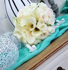 !! Wedding Day !! #wedding #weddingdays #uniqueday #happywedding #happylife #instawedding #flowers #flowerlover #flowershop #rose #whiterose #zantedeschia #whiteflowers #greece #summerwedding White Roses, White Flowers, Summer Wedding, Wedding Day, Zantedeschia, Greece, Cake, Unique, Pi Day Wedding