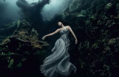 bali-shipwreck-divers-underwater-photoshoot-benjamin-von-wong-