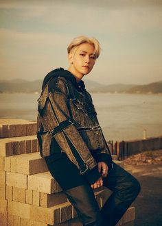 EXO : Photos et vidéos teasers de Baekhyun pour le comeback du groupe – K-GEN Baekhyun Chanyeol, Park Chanyeol, Kai, Chanbaek, Baekyeol, Exo Ot12, K Pop, Luhan And Kris, Exo Album