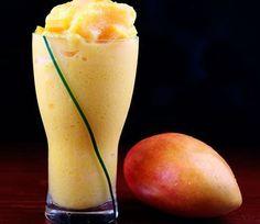 Batido de mango     Batido  La preparación de esta receta de batido de mango no tiene ningún misterio. Muchas veces te apetece algo fresquito y no se te ocurre el qué, pues yo te voy a dar una idea muy buena y saludable para cuando te