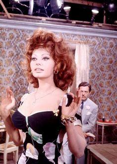 """Sophia Loren and Marcello Mastroianni filming """"Matrimonio all'italiana"""" (1964)"""