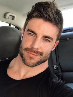 Beautiful Men Faces, Beautiful Smile, Gorgeous Men, Handsome Bearded Men, My Handsome Man, Mens Hairstyles With Beard, Hair And Beard Styles, Face Men, Male Face
