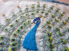一本取りの刺繍糸で刺したクジャクです。|ハンドメイド、手作り、手仕事品の通販・販売・購入ならCreema。
