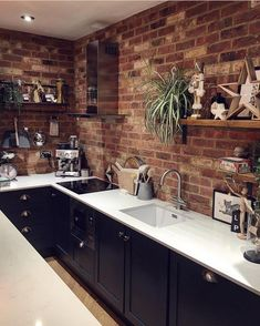 61 best kitchen cabinets design ideas to inspiring your kitchen 23 Best Kitchen Cabinets, Kitchen Cabinet Design, Interior Design Kitchen, Kitchen Backsplash, Home Decor Kitchen, New Kitchen, Home Kitchens, Contemporary Bedroom, Contemporary Garden